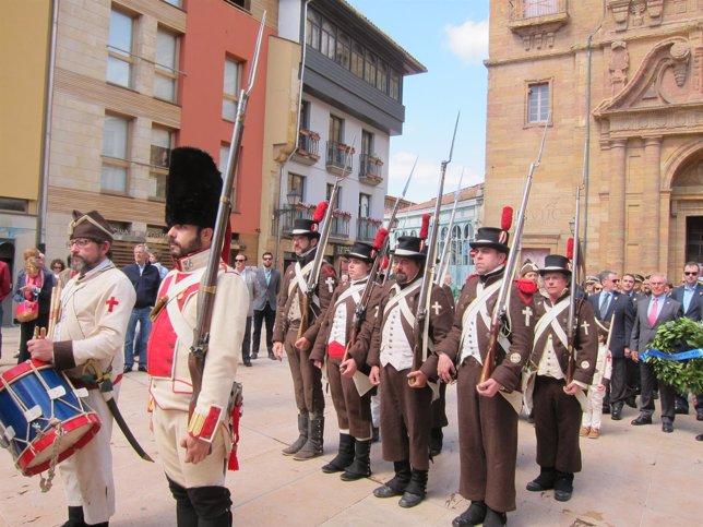 Conmemoración del 25 de Mayo en Oviedo.
