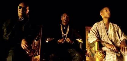 Snoop Dogg estrena videoclip con Stevie Wonder y Pharrell Williams: California Roll