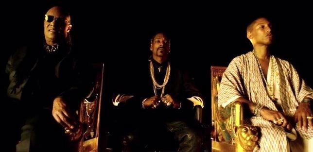 Stevie Wonder, Snoop Dogg y Pharrell