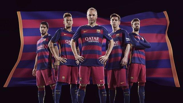 El FC Barcelona vestirá con rayas horizontales en la temporada 2015-16 c2c7839f32d
