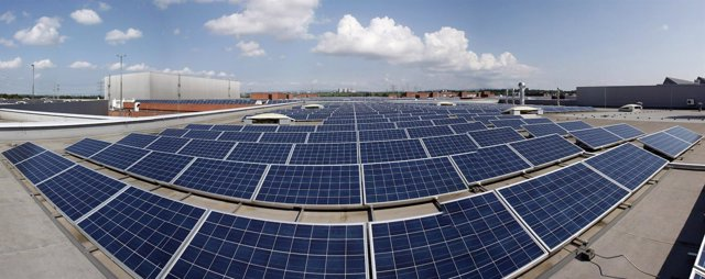 Paneles Solares En La Planta De Opel En Rüsselsheim (Alemania)