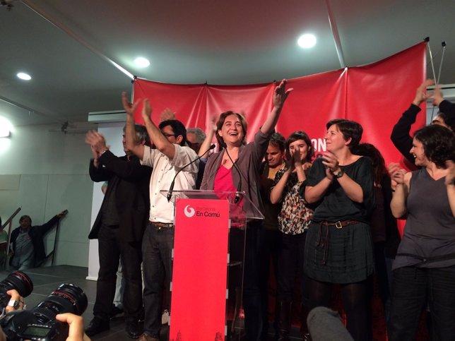 Ada Colau y candidatos de BComú