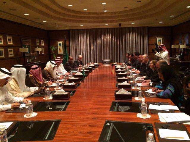 Reunión de Pastor con el ministro saudí de Transportes en Riad