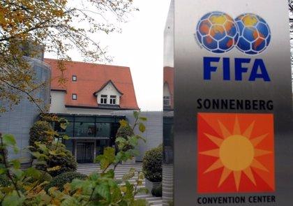 Exvicepresidente de la FIFA Jack Warner se entrega a las autoridades