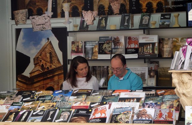 Expositor en la Feria del Libro de Madrid en 2014
