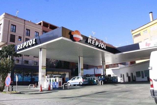 Gasolinera, Repsol, Gasolina, Coches, Combustible, Diesel, Repostar