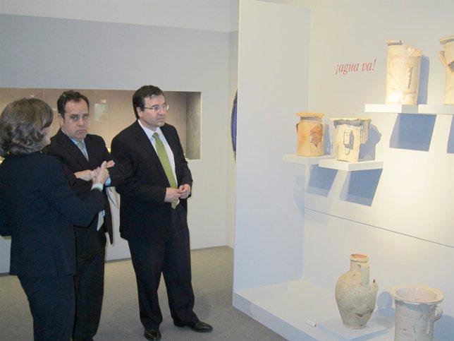 Eloísa Wattenberg, Pablo Trillo y José Ramón Alonso visitan la exposición