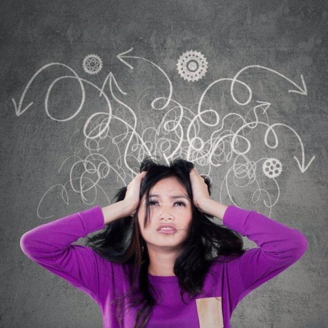Mujer, ansiedad, estrés, hiperactividad