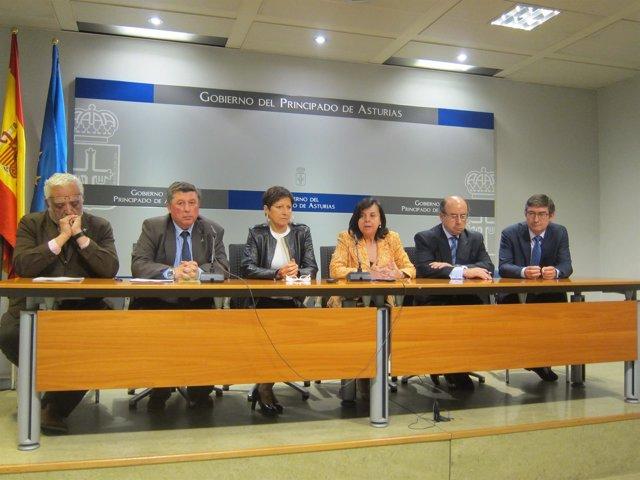 Álvarez, Rada,Suárez y los directores del Consorcio Interautonómico de Picos..