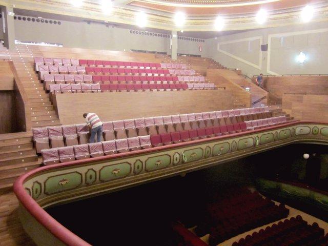 Gradas del Teatro el Cerezo en Carmona
