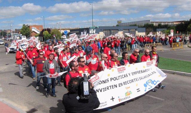 Trabajadores de Itevelesa se manifiestan en Valladolid