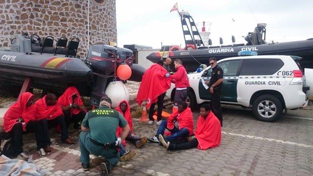 Inmigrantes rescatados en Ceuta