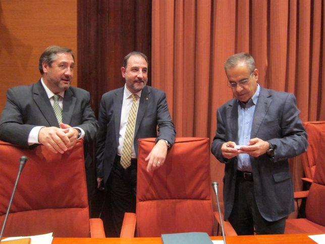 Los consellers J.M.Pelegrí y R.Espadaler junto al pte.De la Comisión de Interior
