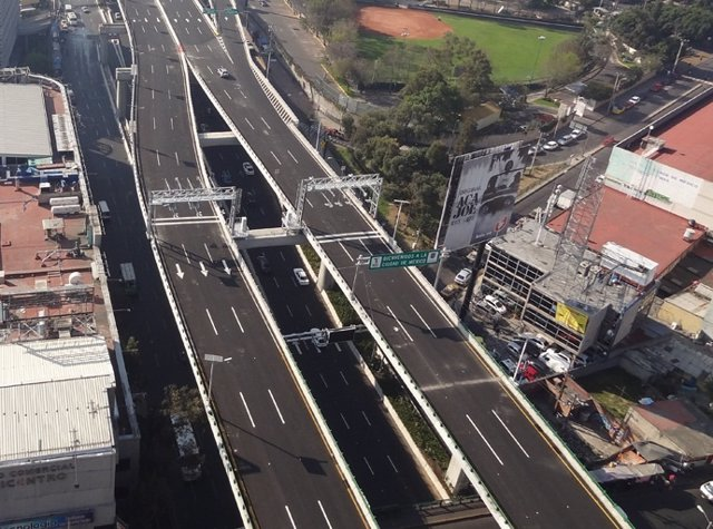 Viaducto elevado de la Autopista Urbana Norte de OHL México