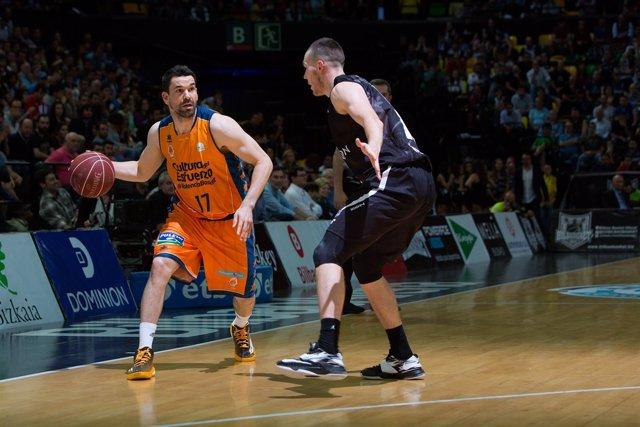El Valencia Basket neutraliza el factor cancha y se adelanta al Bilbao