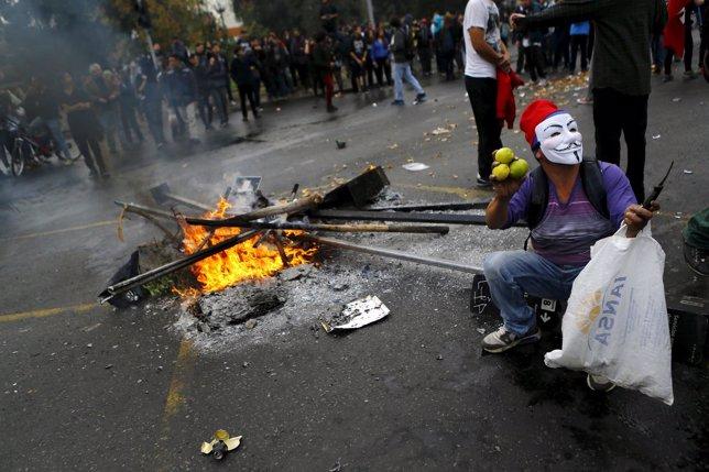 Disturbios durante una marcha estudiantil en Santiago de Chile