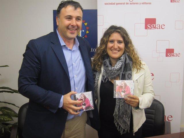 Anabel Santiago y José Luis Remis con el nuevo disco 'Llances de Papel'