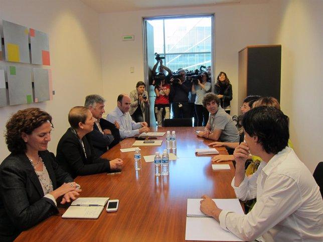Representantes de Geroa Bai y Podemos en la reunión