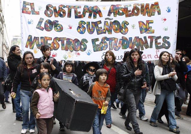 Huelga Nacional En Chile Por Una Reforma De La Educación