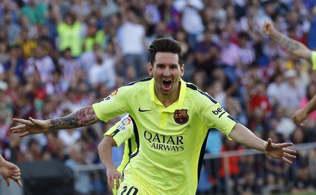 Messi celebra un tanto con el Barcelona
