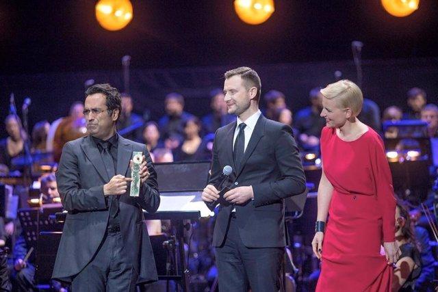 Diego Navarro recoge el Premio Embajador FMF