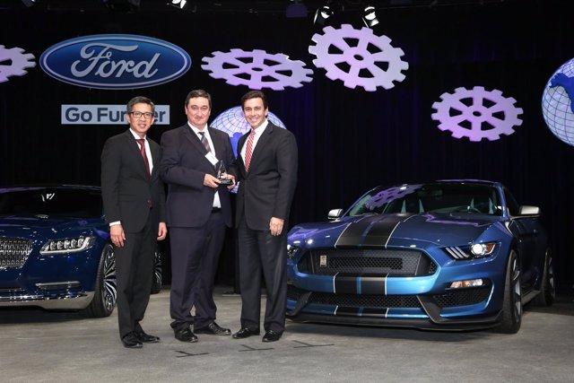 Construcciones Lujan recibe Premio Mundial a Proveedores de Ford Motor Company.