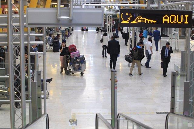 Aeropuerto de Barajas, turismo, turistas, viajeros, viajes, avión, avión, AENA.