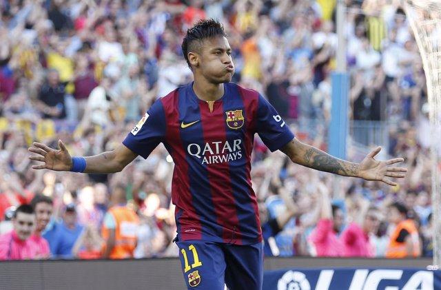 Neymar y Pedro tumban a una exigente Real