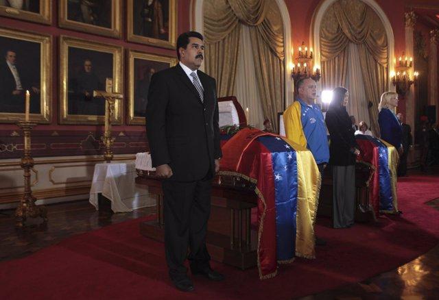 Maduro y Cabello en una en la vigilia por el asesinato de Ribert Serra, diputado