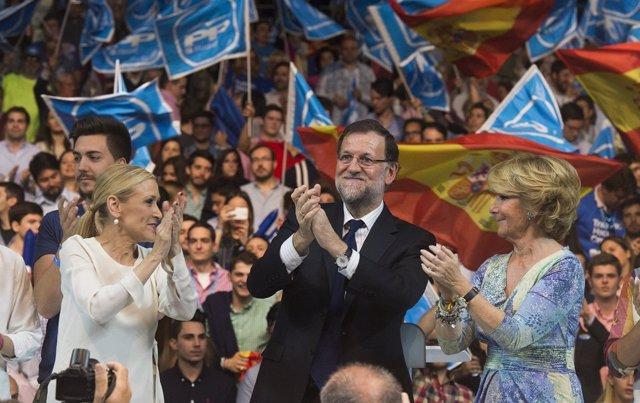 Rajoy, Aguirre y Cifuentes en el cierre de campaña en el Palacio de Deportes
