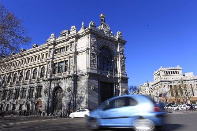 La OCDE mejora considerablemente sus previsiones para España, pero incide en la