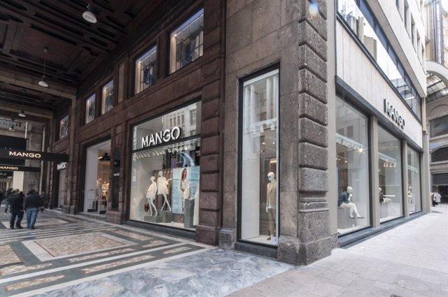 Tienda de Mango en Milán