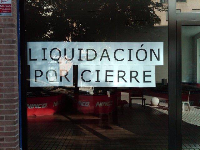Cartel de liquidación por cierre