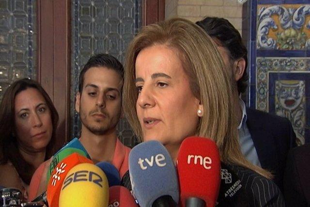 """Báñez critica a """"los políticos que restan"""""""