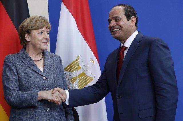 La canciller alemana, Angela Merkel, y el presidente egipcio, Abdelfatá al Sisi