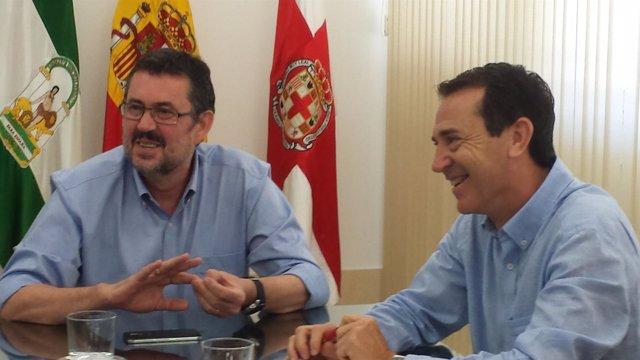 Esteban (IU) y Pérez Navas (PSOE), durante la reunión