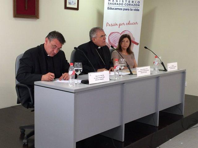 El obispo de Vórdoba, Demetrio Fernández, durante su intervención