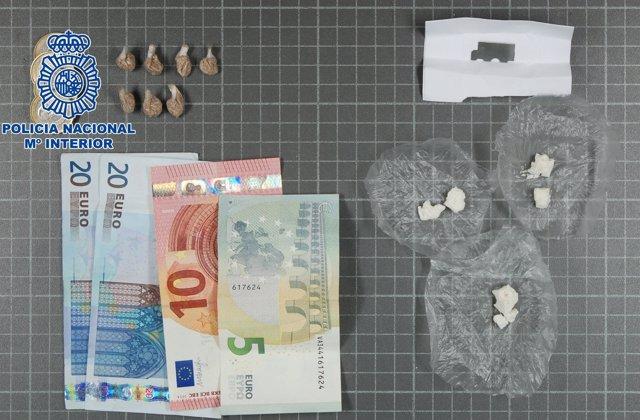 Dinero y droga incautado por la Policía Nacional