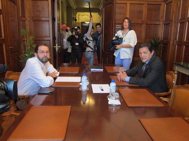 Reunión Emilio León y Javier Fernández.