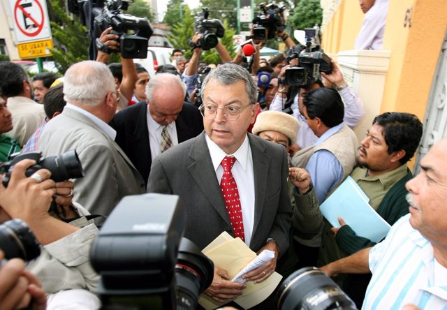 Manuel Camacho Solis arrives a private meeting in Mexico City