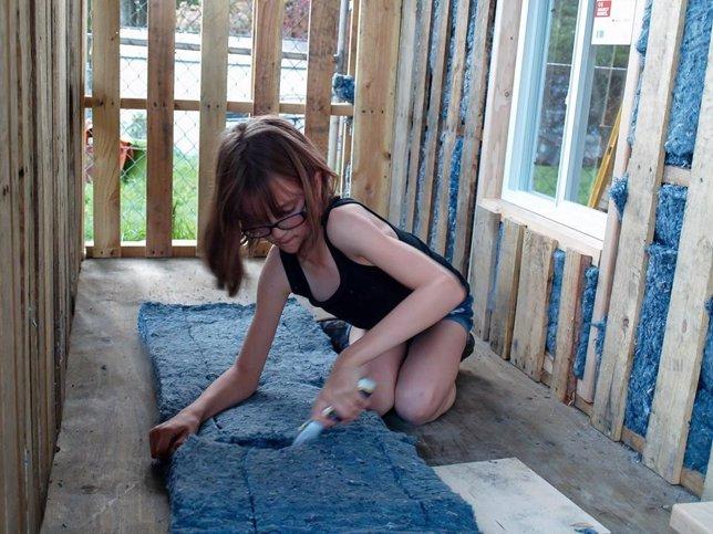Hailey Fort construyendo casas para los necesitados