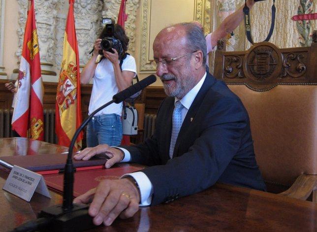 León de la Riva, en su última rueda de prensa como alcalde de Valladolid