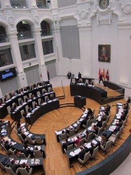 Pleno Del Ayuntamiento De Madrid En El Palacio De Cibeles