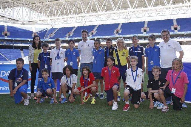 Andreu Fontás apadrina la Danone Nations Cup 2015