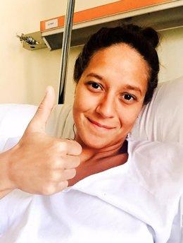 La nadadora española Duane da Rocha, recién operada de apendicitis