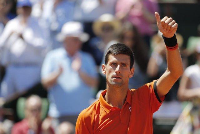 Djokovic celebra su pase a la final de Roland Garros 2015