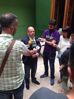 José Miguel Barragán atiende a los medios