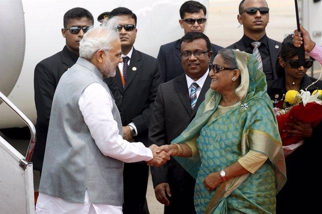 El primer ministro indio, Narendra Modi y la pm de Bangladesh, Sheij Hasina