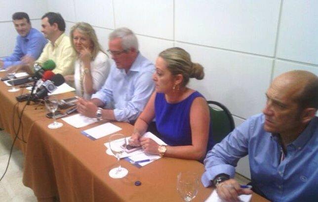 Angeles Muñoz, alcaldesa de Marbella, y Rafael Piña, de OSP