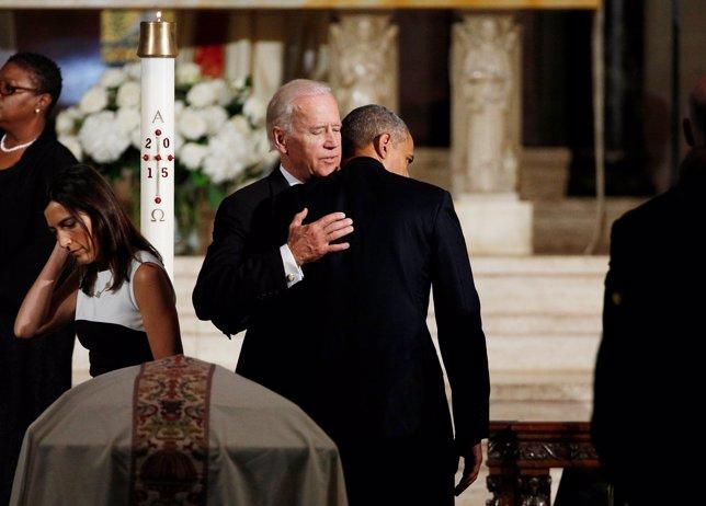 Obama y Biden en el fallecimiento del hijo del segundo, Beau